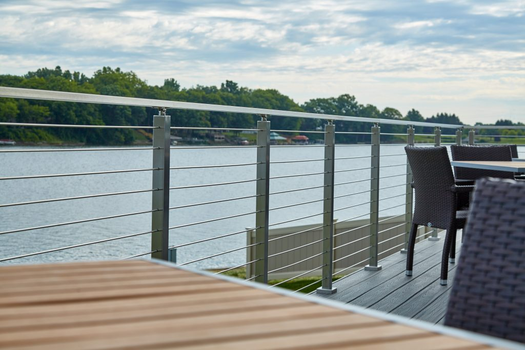Lakeside stainless steel rod railing system