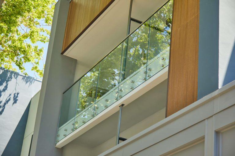 Glass Pin Exterior Balcony