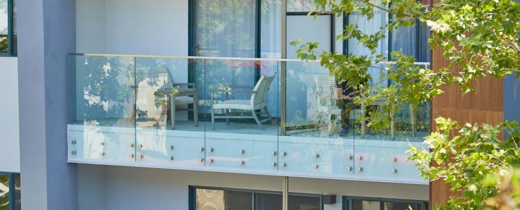 Balcony Glass Pin Exterior Hotel
