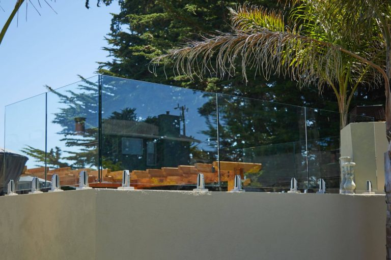 Glass Railing for Outdoors