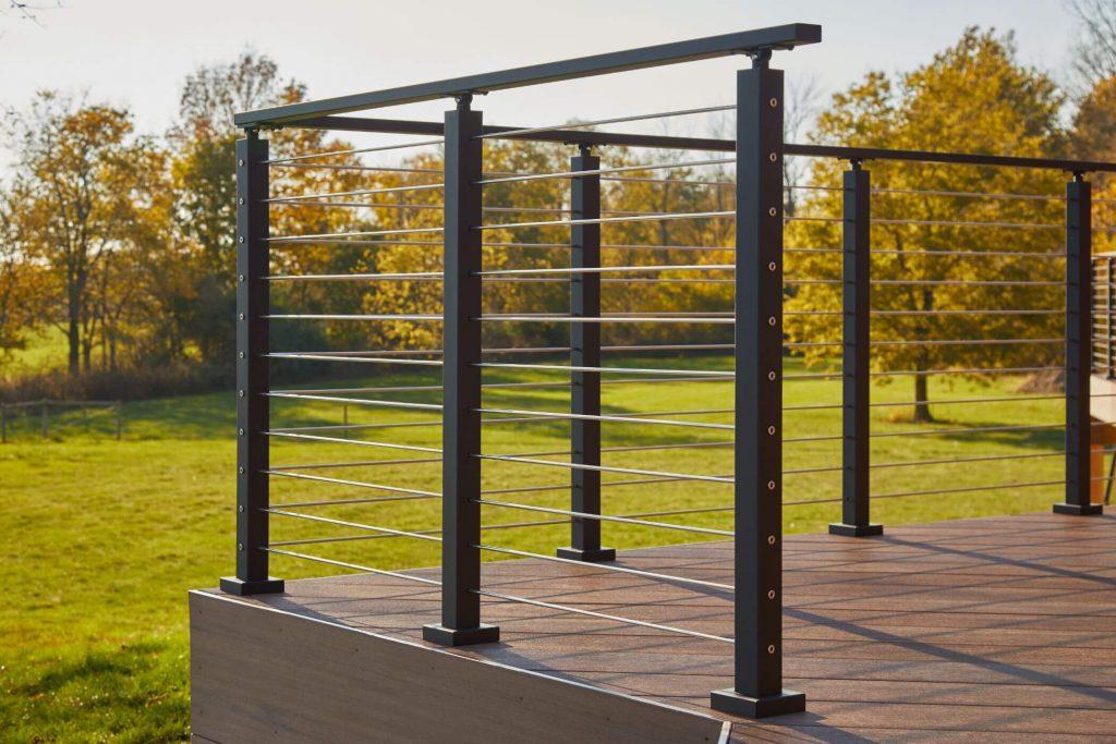 Rod railing with aluminum posts