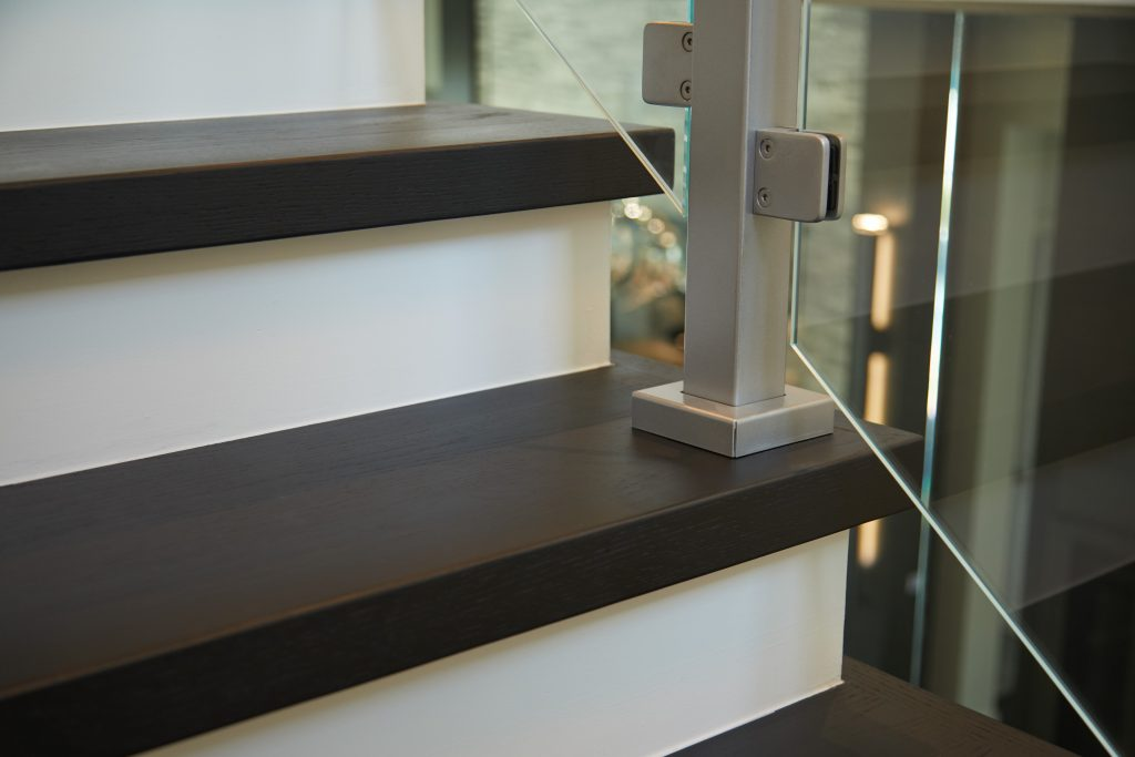 Surface Mount Glass Post