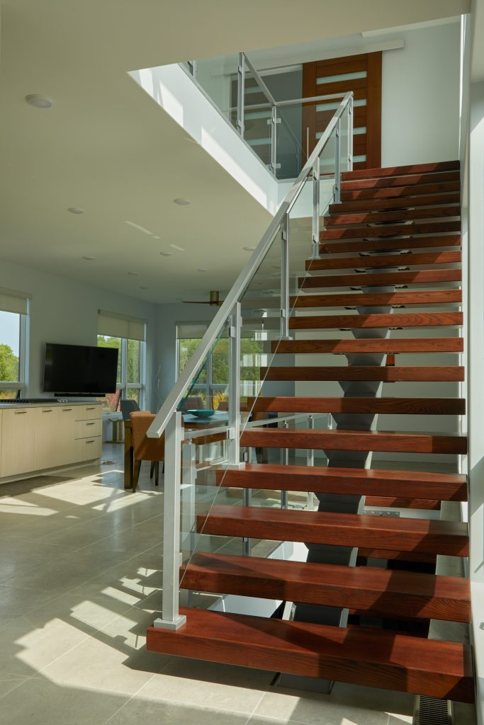 Speedboat Floating Stair and Glass
